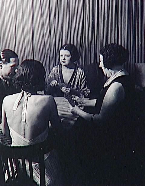 Brassaï (dit), Halasz Gyula (1899-1984), Chez Suzie, en attendant les clients, vers 1932