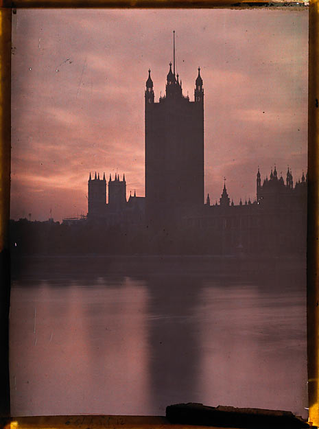 NAVELLO Louis. L'abbaye de Westminster, autochrome, 1e moitié du 20e siècle.