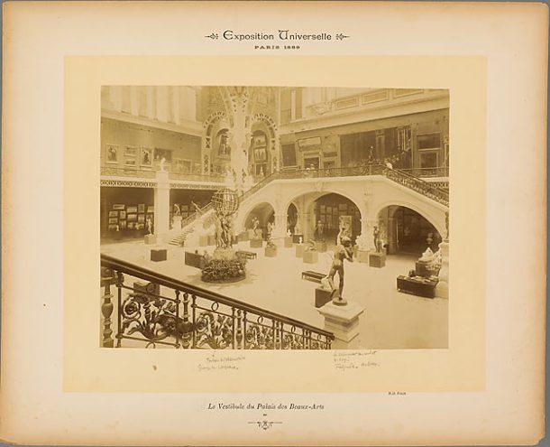 Neurdein Frères. Le Vestibule du Palais des Beaux-Arts, 1889, papier albuminé.