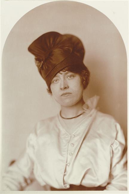 Charles Augustin Lhermitte, Portrait à mi-corps d'une femme coiffée d'un turban, 1905, musée d'Orsay
