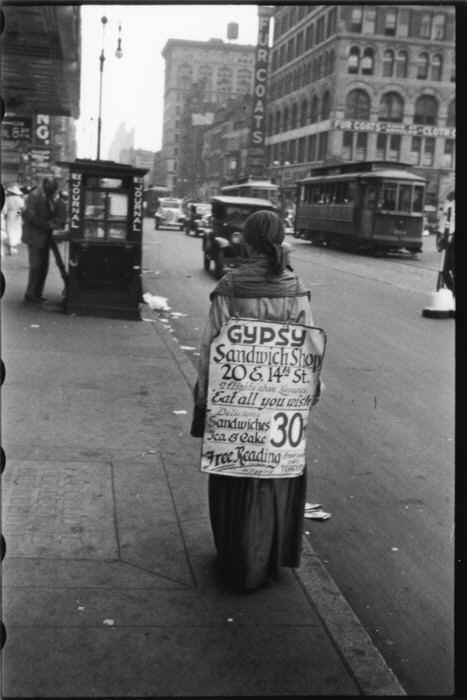Femme-sandwich, 14e rue NY, 1933-1934, Walker Evans, MET, NY