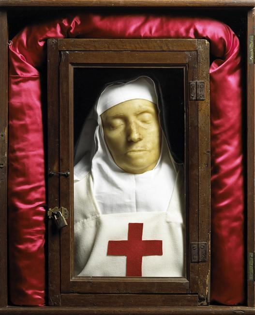 Masque reliquaire de la mère Marie-Angélique Arnauld, 17e siècle, cire, Musée de Port-Royal des Champs