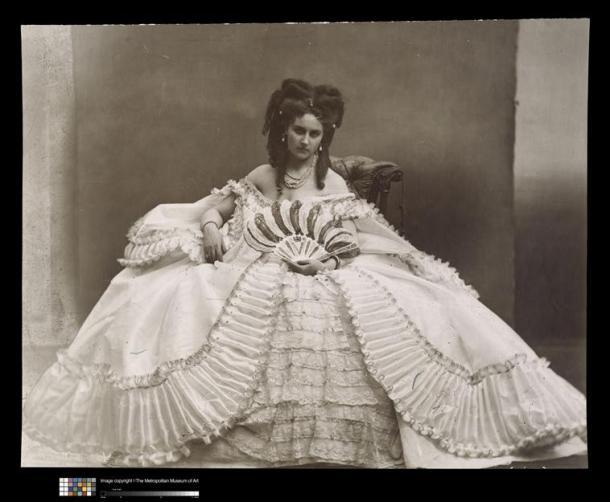 Pierre Louis Pierson, Elvira, la Castiglione à l'éventail, 1861-67, MET, NY