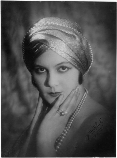 R. Sobol, Portrait de Renée Héribel, vers 1920