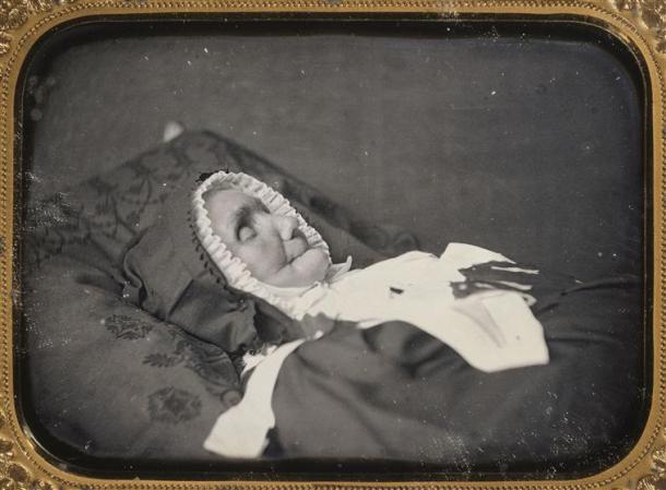 Vieille femme sur son lit de mort, vers 1850, daguérrotype