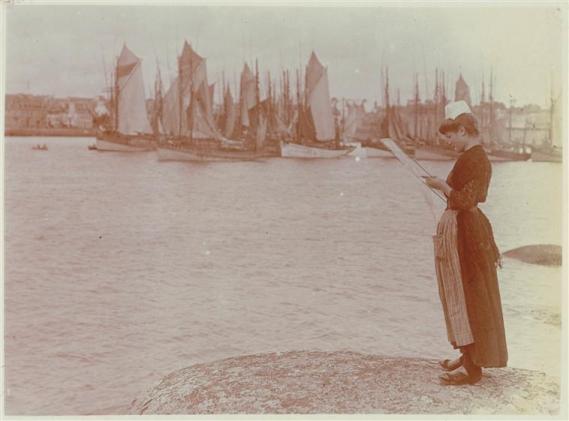 Concarneau_dentellière_port_Charles Lhermitte_1912_musée d'Orsay