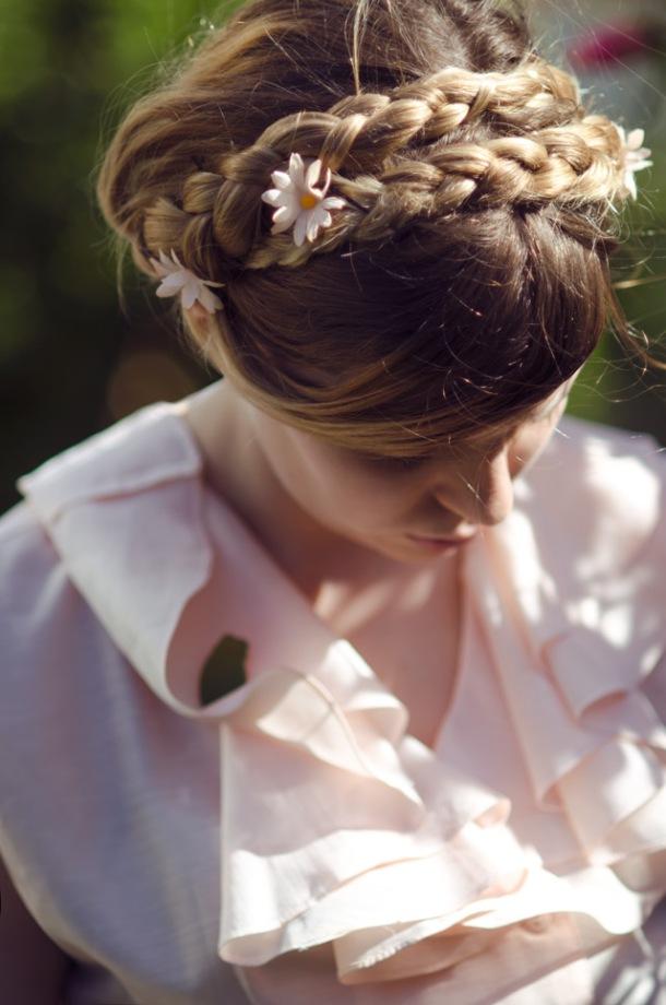 woman_girl_flower